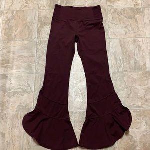 Free People Capri/ruffle pant size S